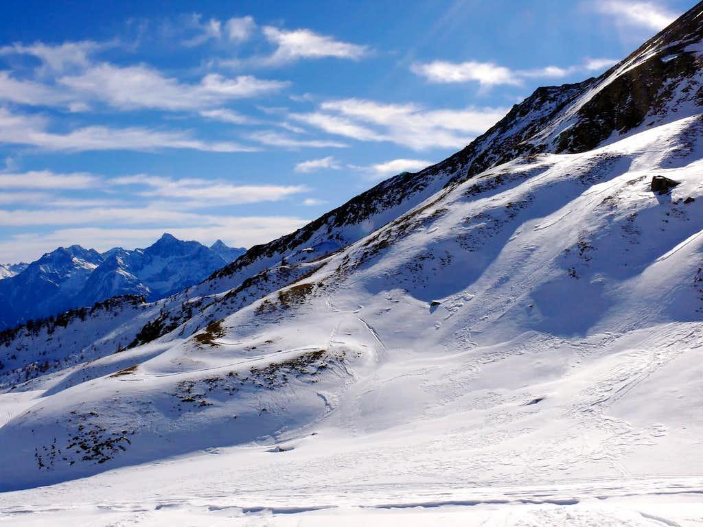 Il monte Emilius (3559 m), dai pressi del rifugio Champillon