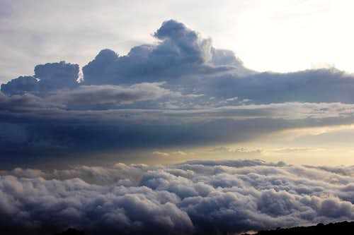 Kili Clouds
