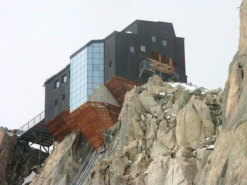 Cosmiques Hut (september 2003)