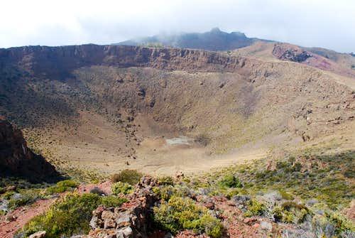 Hanoa Crater fr SE