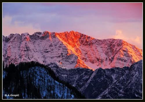 Alpenglow on Plaski Vogel