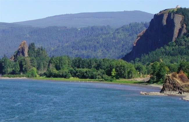 Rooster Rock (Columbia Gorge)