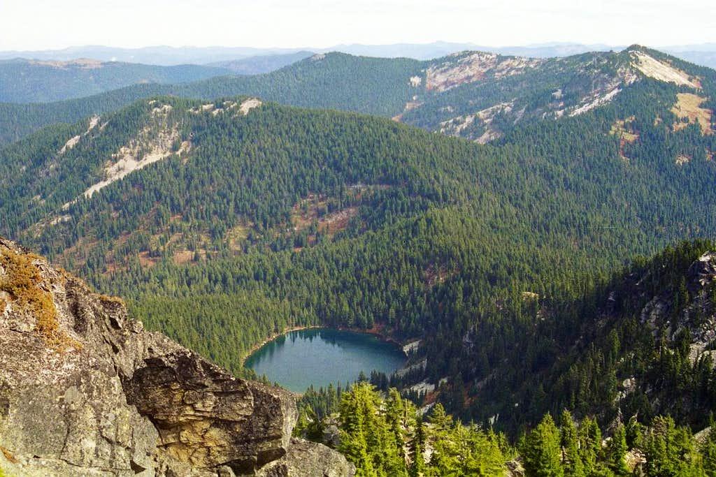 Northbound Lake and Mallard Peak