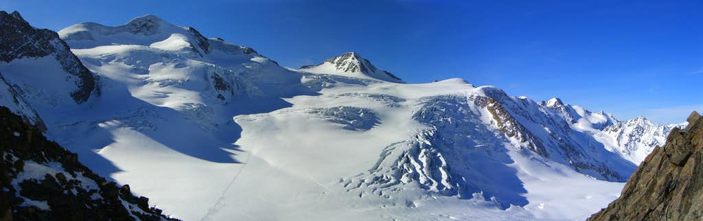 Panoramic view Wildspitze and Hinterer Brochkogel