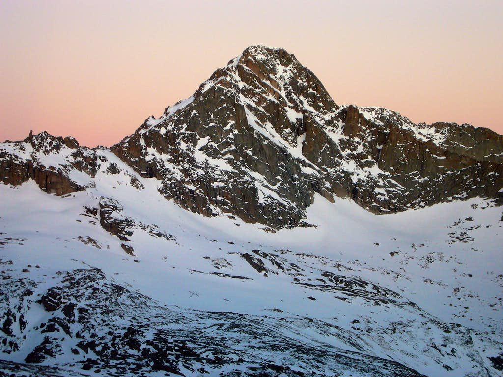 McHenrys Peak at Dawn