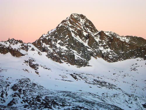 McHenrys Peak at Dawn