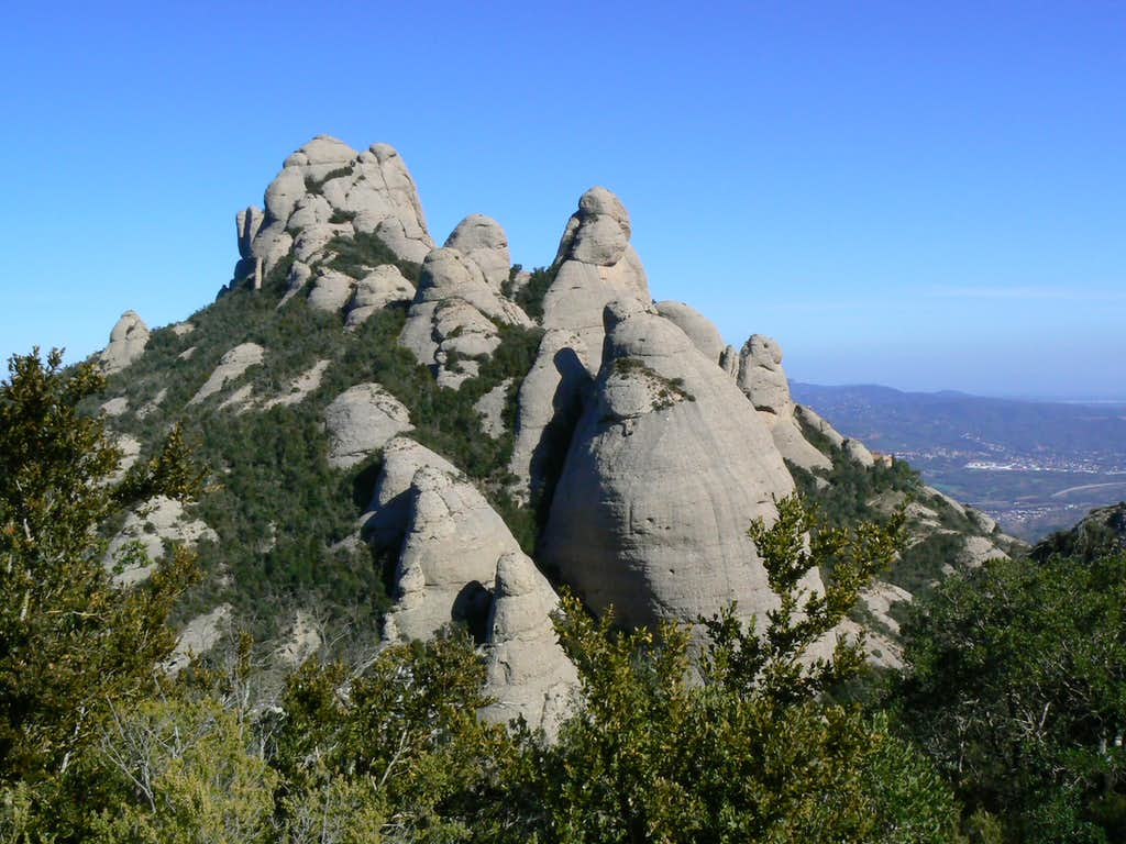 Sant Salvador Pinnacles