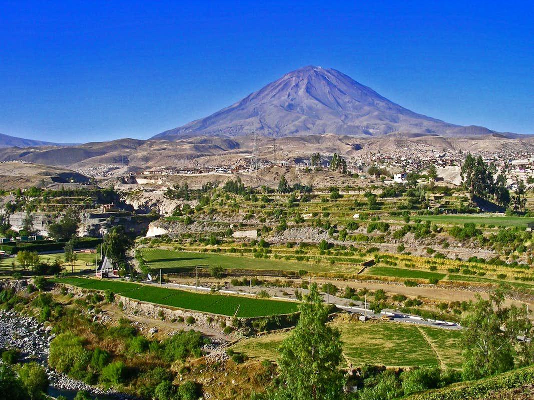 Misti volcano in Peru — Stock Photo