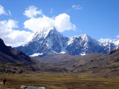 Nevado 3 Puntas ( Cayangate west face )