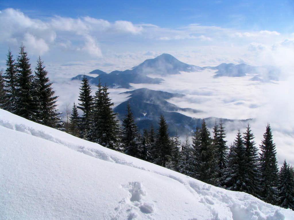 Urslja gora in the background