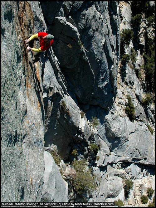 Michael Reardon Soloing the Vampire at Tahquitz, CA