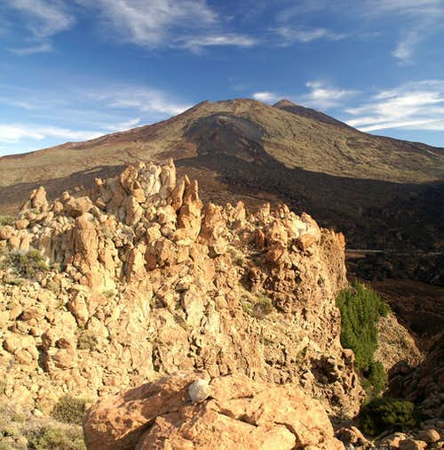 Summit View towards Pico Viejo