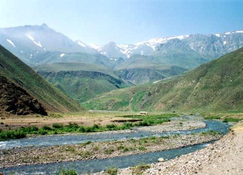 overview of Daruek river,...