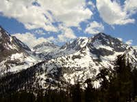 NNE view of West Vidette and Vidette Lakes Basin from JMT