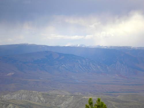Beartooth Plateau in the distance