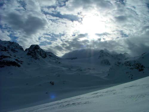 Dreiländerspitze under sun and clouds