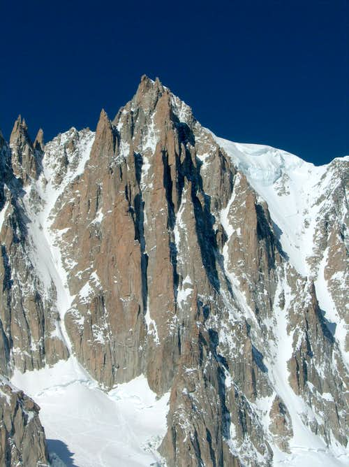 Mont Blanc du Tacul, from  Couloir du Diable to Couloir Gervasutti