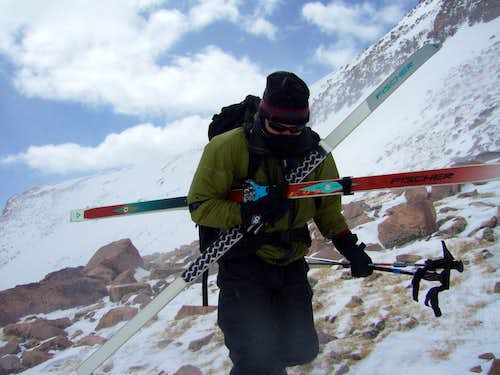 KPT07: Mike booting against the wind at Gunsight Pass