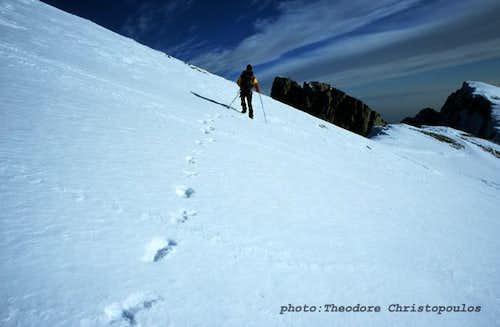 Traversing Skolio summit.