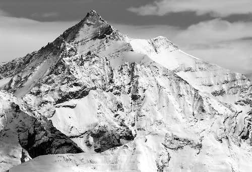 Il versante n-o della Grivola (3969 m)