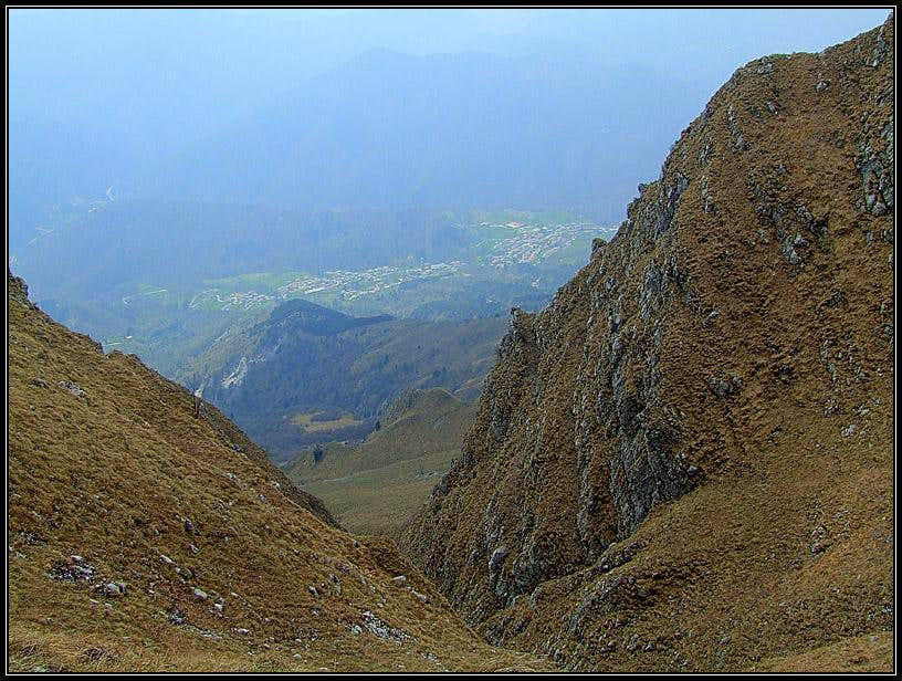Monteaperta from below Briniza/Brinica