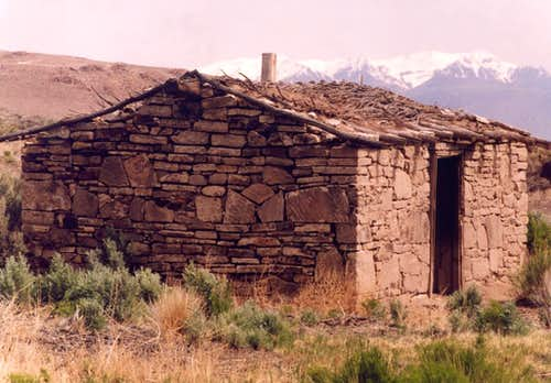 Steens with Pre-Industrial Dwelling