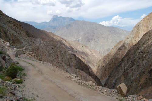 Jeep track from the KKH to Jhel