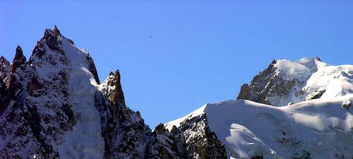 L'aiguille du Plan (3673 m) e il Mont Blanc du Tacul (4248 m)