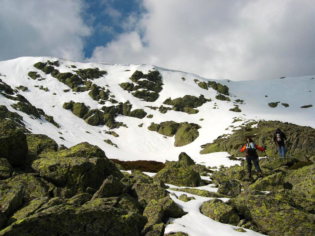 Climbing the south-east face of Nevero