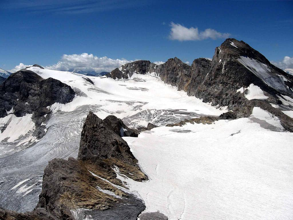 The Tsanteleina seen from the summit.