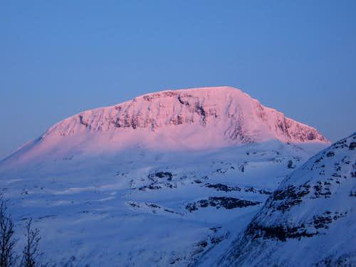 Tromsdalstind sunrise
