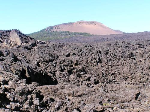 Belknap Crater above the lava...