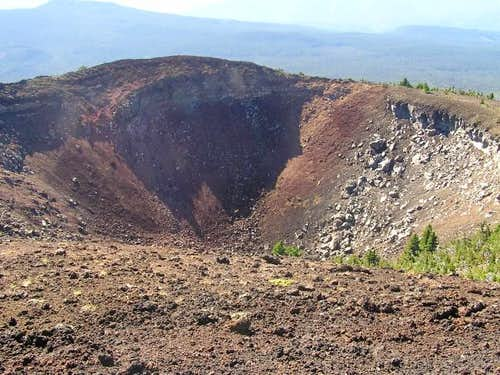 The crater of Belknap Crater.