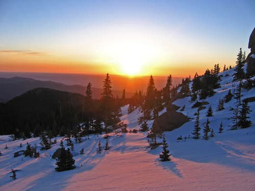 Sunrise on Pikes