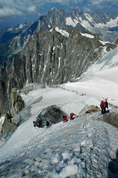 Descend to Col du Midi