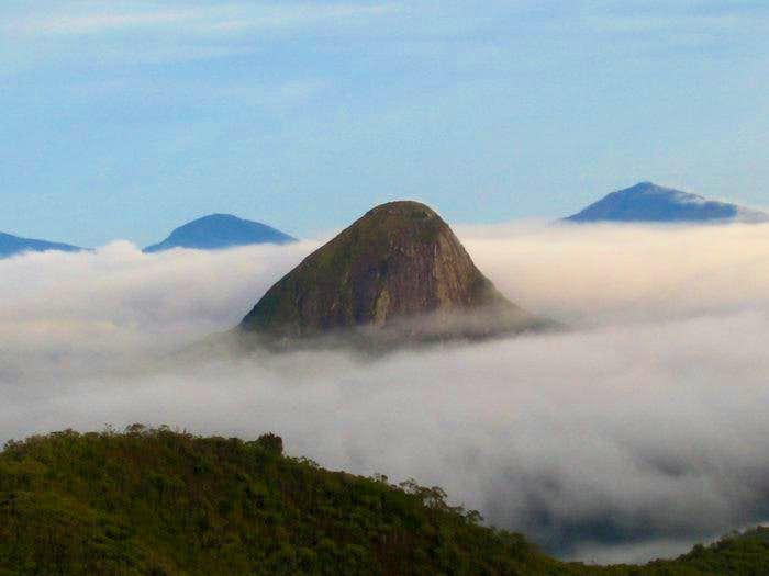 Pico do Alcobaça arising