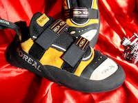 Crux -climbing shoe