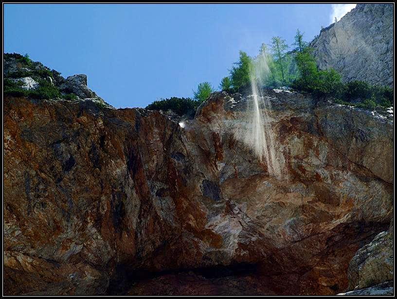 Cedca waterfall