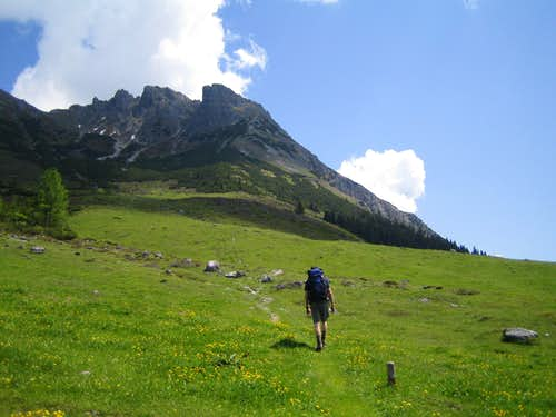 On the trail to Taghaube