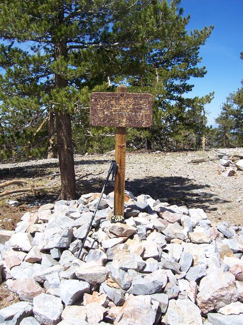 Old summit sign