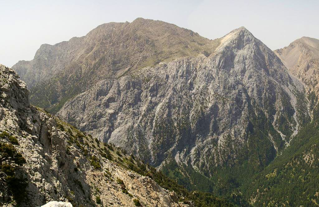 Psari and Mavri Ridge Route