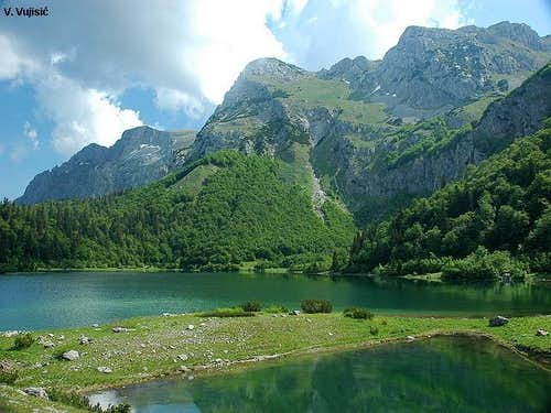 Maglic from Trnovacko lake