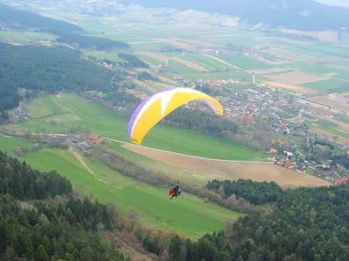 Paragliders at Hohe Wand