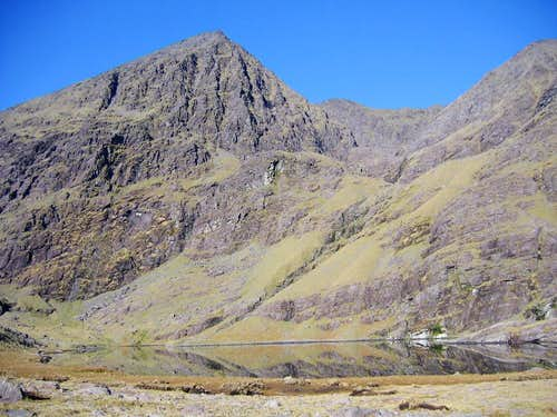 Carrauntoohil above Lough Gouragh