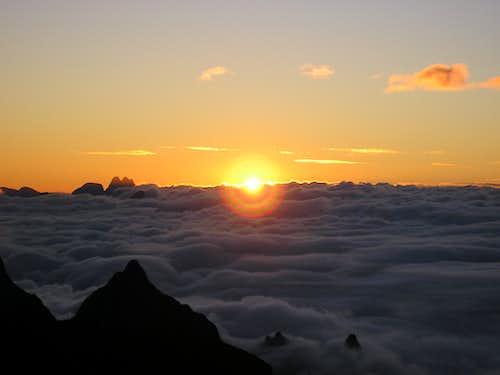 Clouds carpet in Açu's sunrise