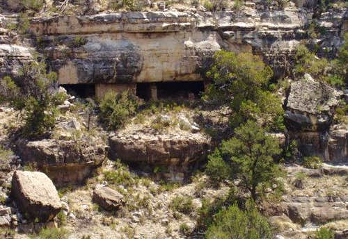 Walnut Canyon Ruin