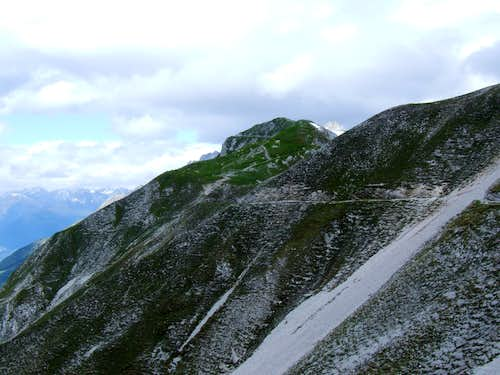 Goetheweg Trail to the East of Hafelekarspitze