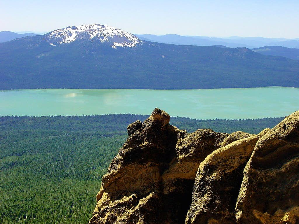 Mount Bailey and Diamond Lake from Mt. Thielsen