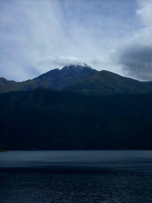 Volcano Cotacachi (4939m)