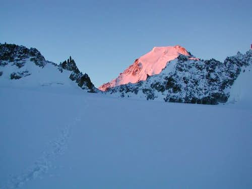 Sunrise on the Aiguille...